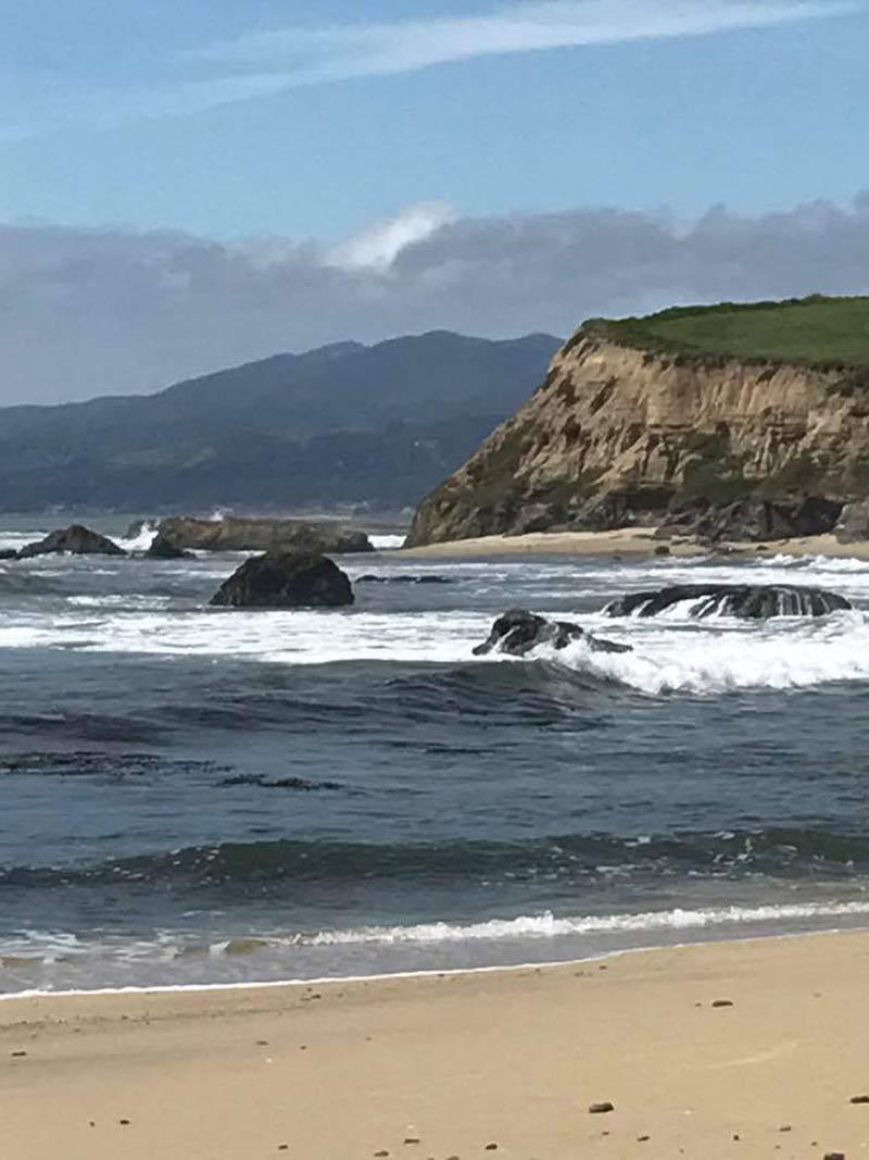 The cliffs and ocean of Half Moon Bay, CA